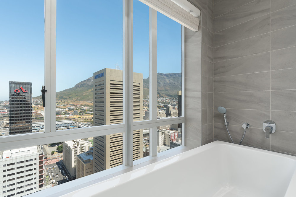 CapeTownCBDPenthouseApartmentForSale-2303RadissonBlu(9of21).jpg