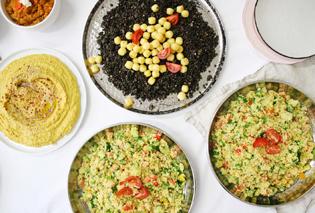 Buffet Hummus Linsen Hirse Vegan.jpg