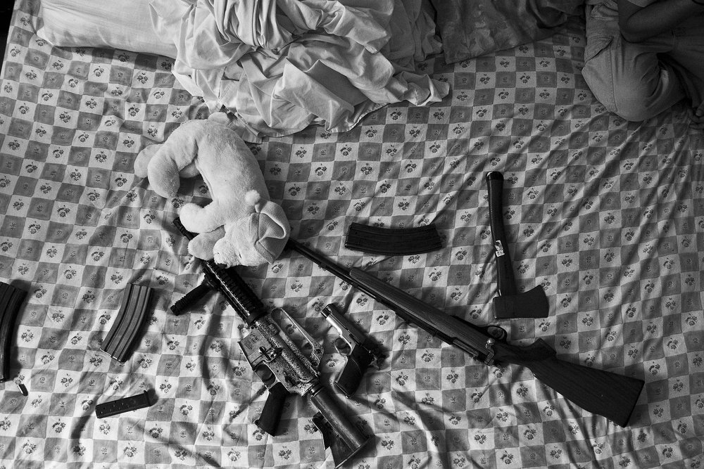Ilegal weapons bed