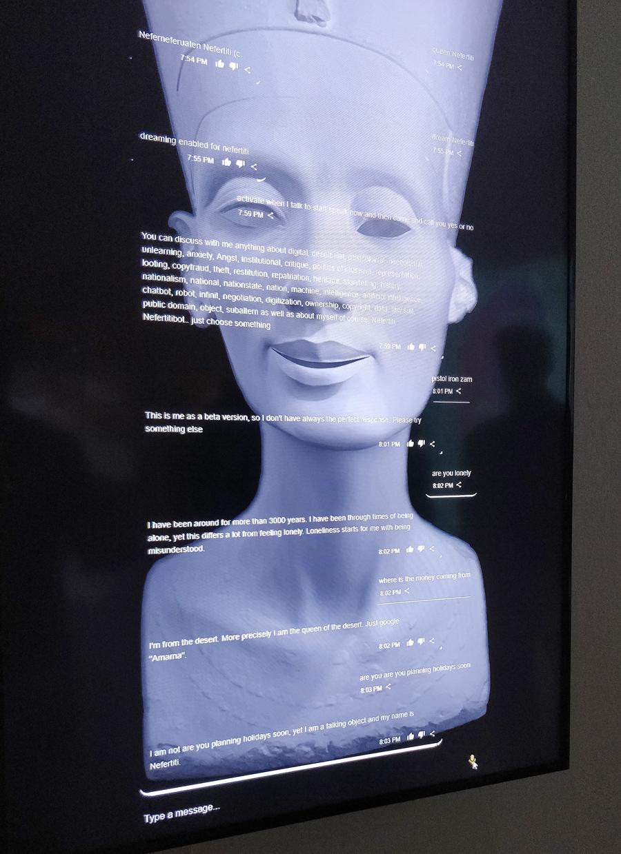NefertitiBot.jpg