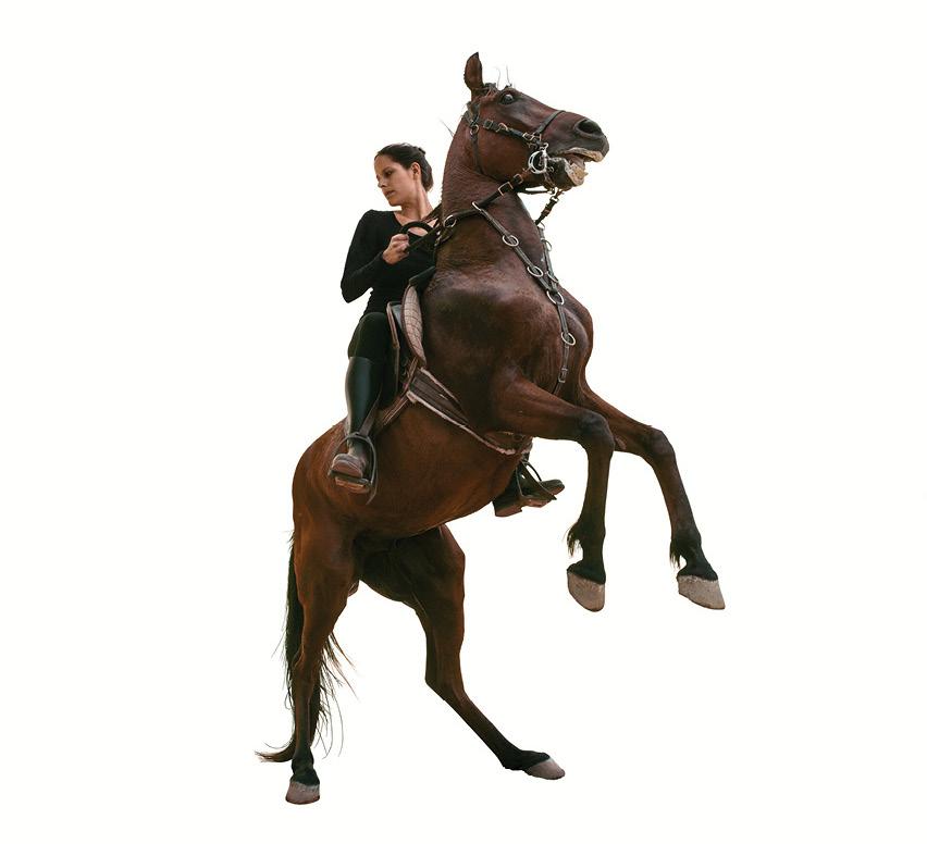 Living-Equestrian-Statues-02.jpg