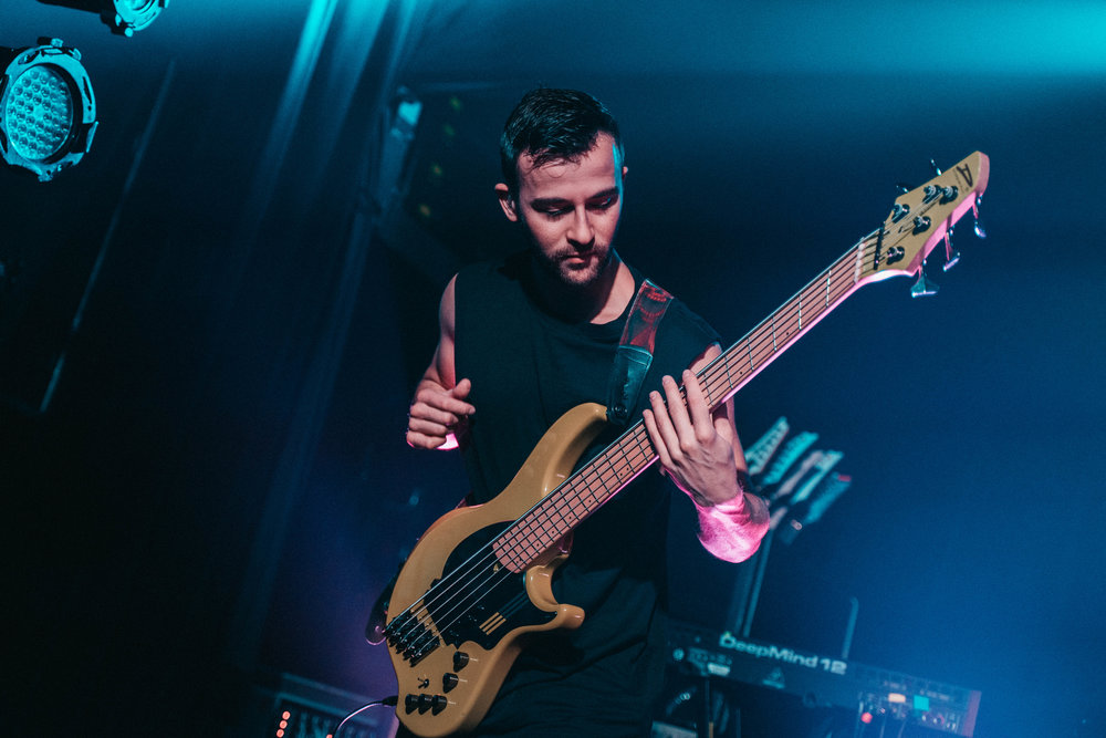 Jacob Umansky - Bass