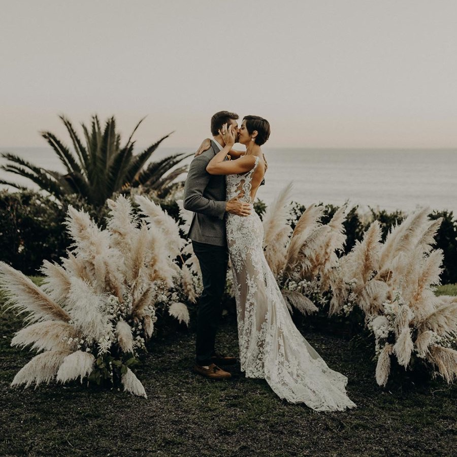 Dreamy oceansidewedding - featured onruffled blog