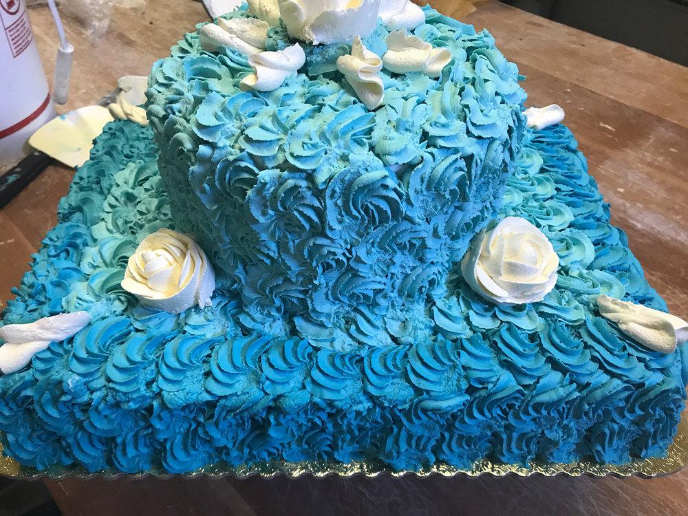 blue-cake-hmb-bakery.jpg