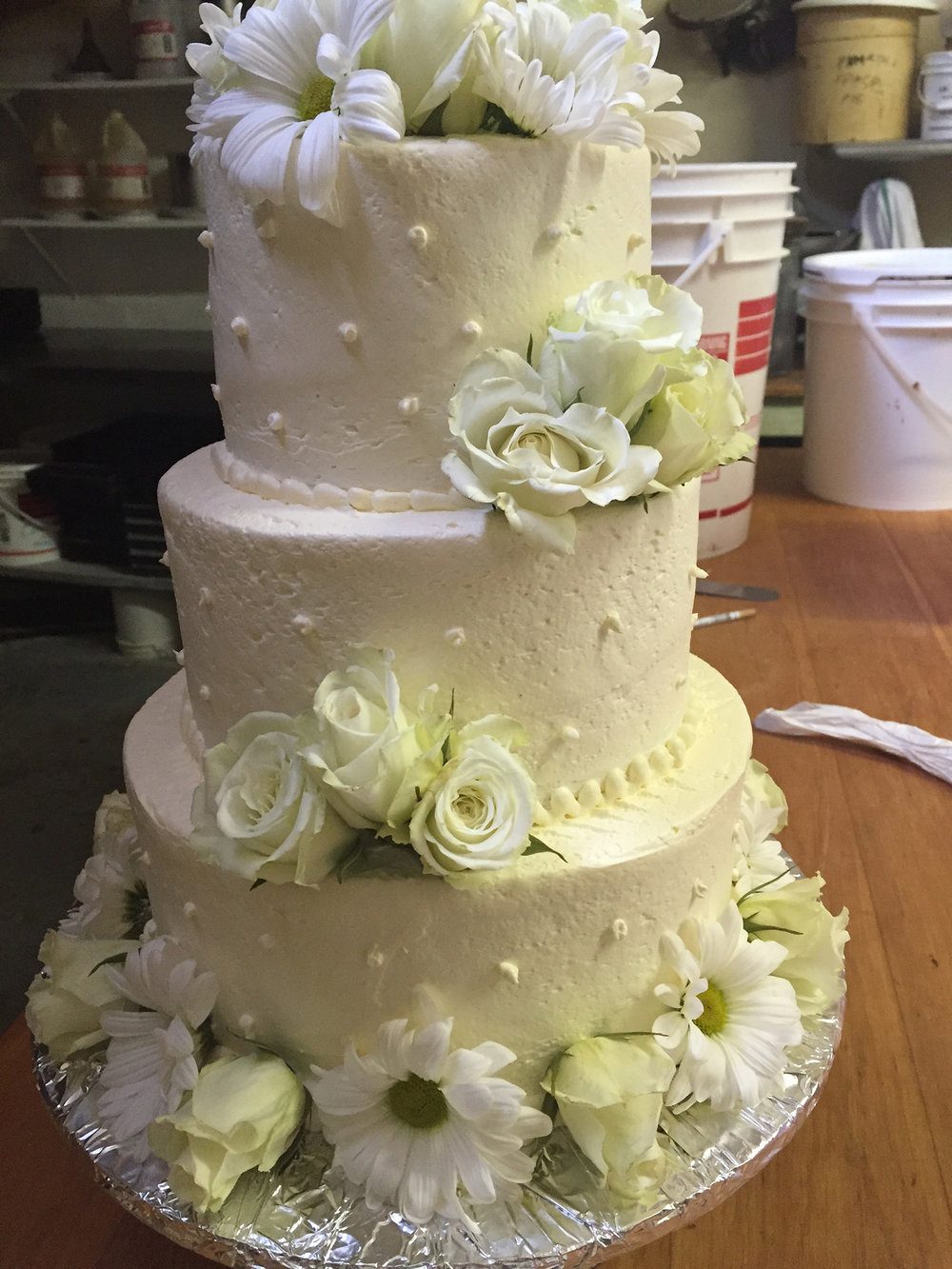 white-wedding-cake-hmb-bakery.jpg