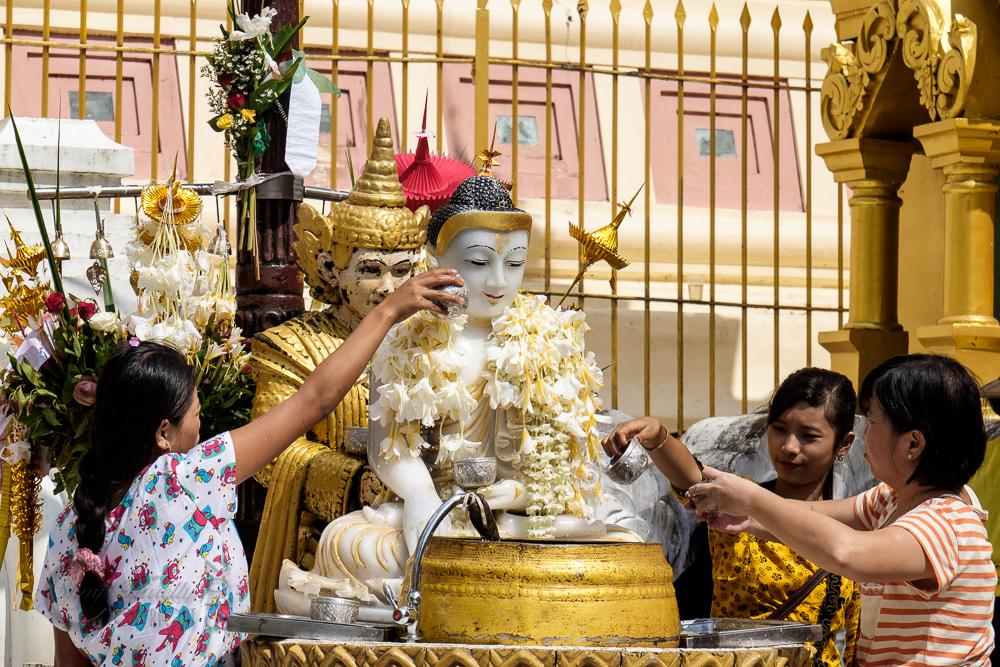 Burma_YangonDay2-0132.jpg