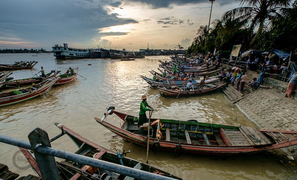 Burma_YangonDay1-6663.jpg