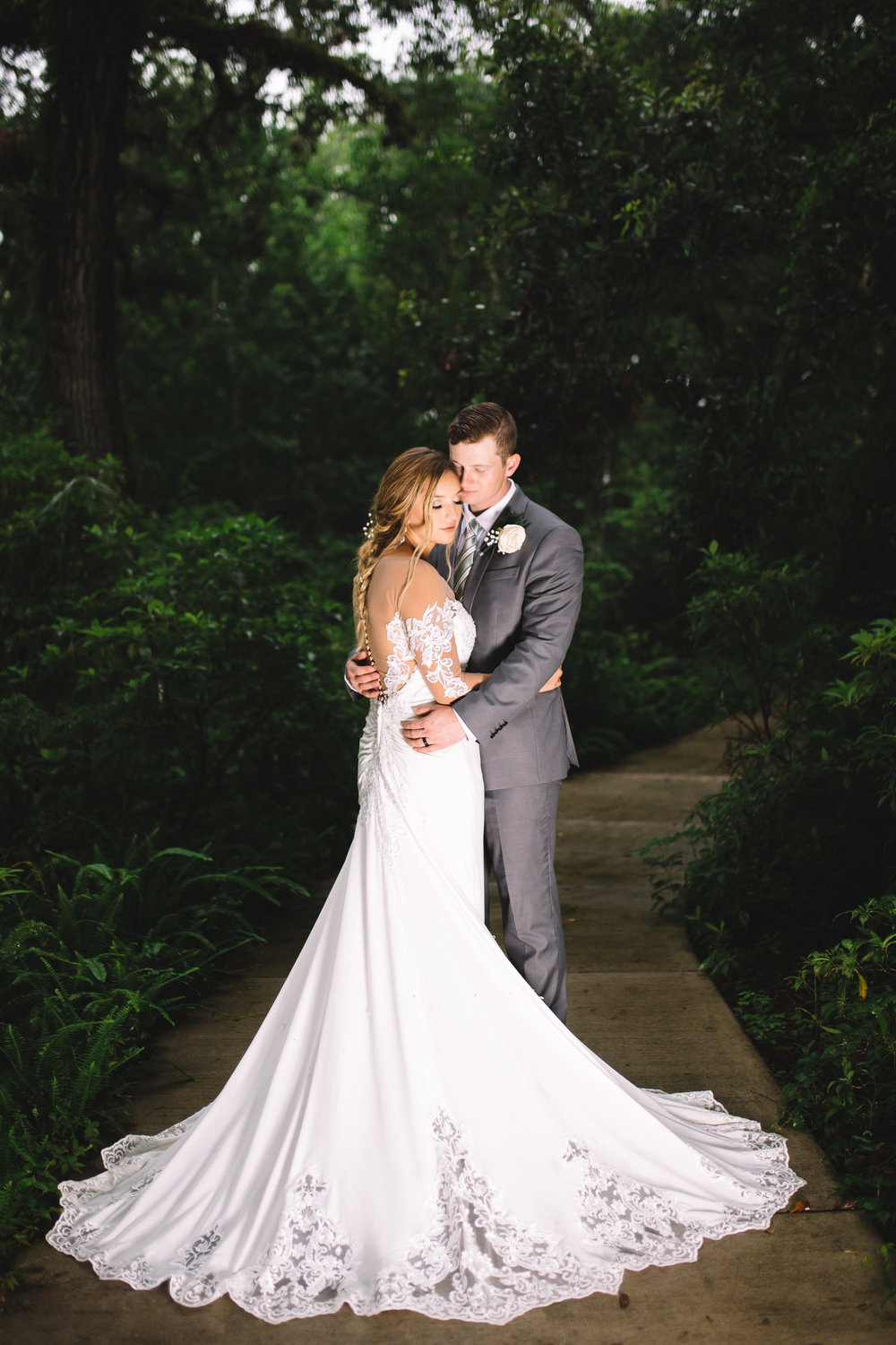 Jasmine Baetzel Wedding Photographer