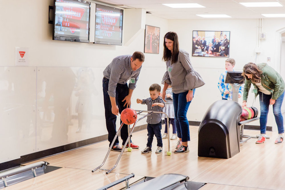 white-house-bowling8-abroad-wife.jpg