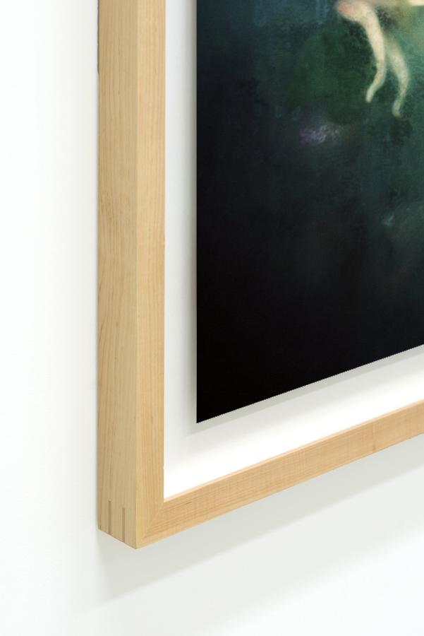Kelluva syvätty kehys (floating showcase frame)