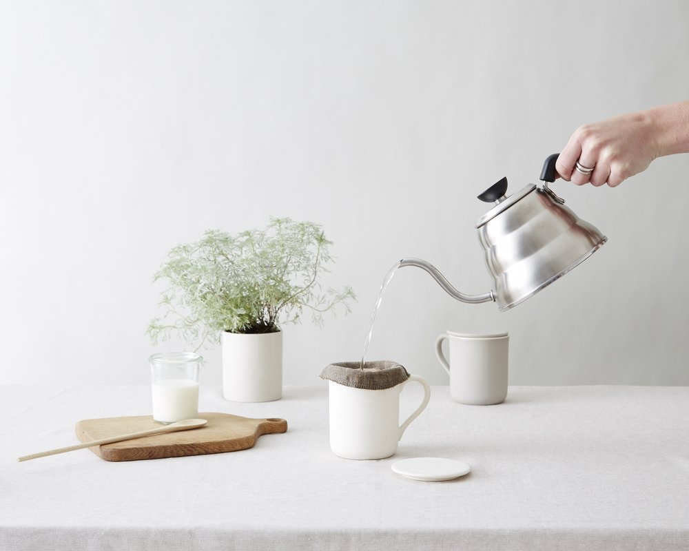 minor-goods-slow-brew-mug-with-filter-high-res