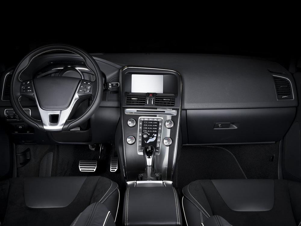 modern-car-interior-P3C8MES.jpg