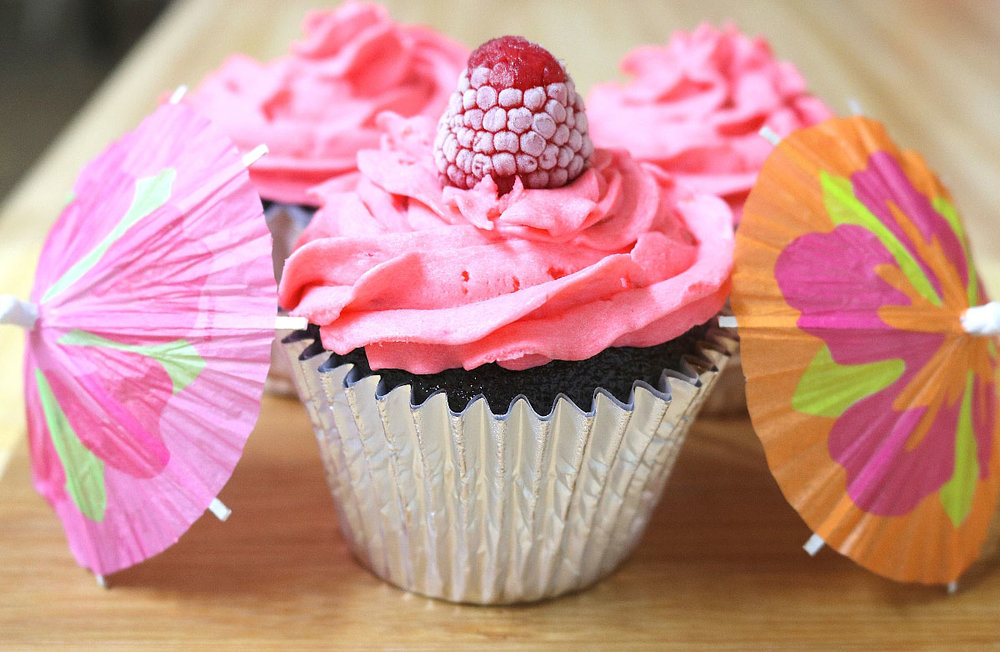 raspberrycupcakes417.jpg