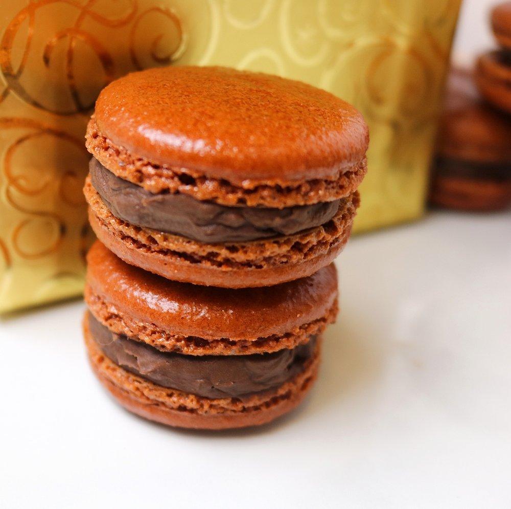 chocolatecoconutmacarons1