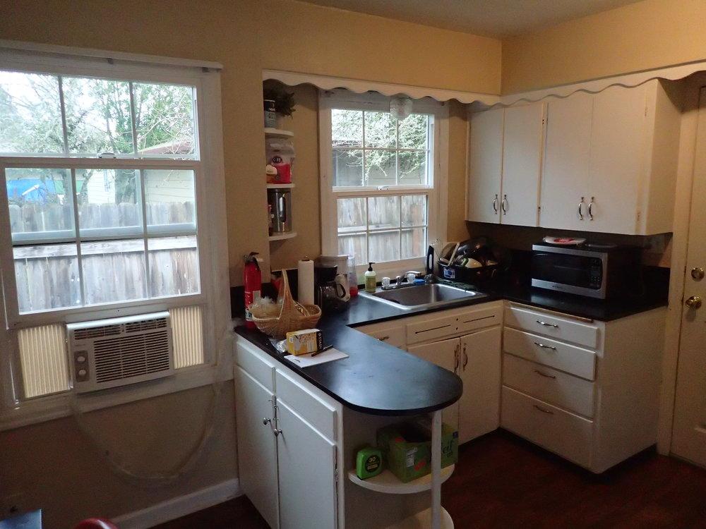 Duplex Kitchen (2).JPG