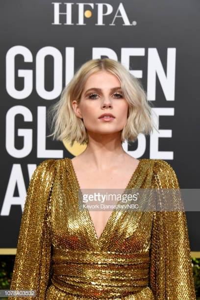 76th-annual-golden-globe-awards-pictured-lucy-boynton-arrives-to-the-picture-id1078403532.jpg