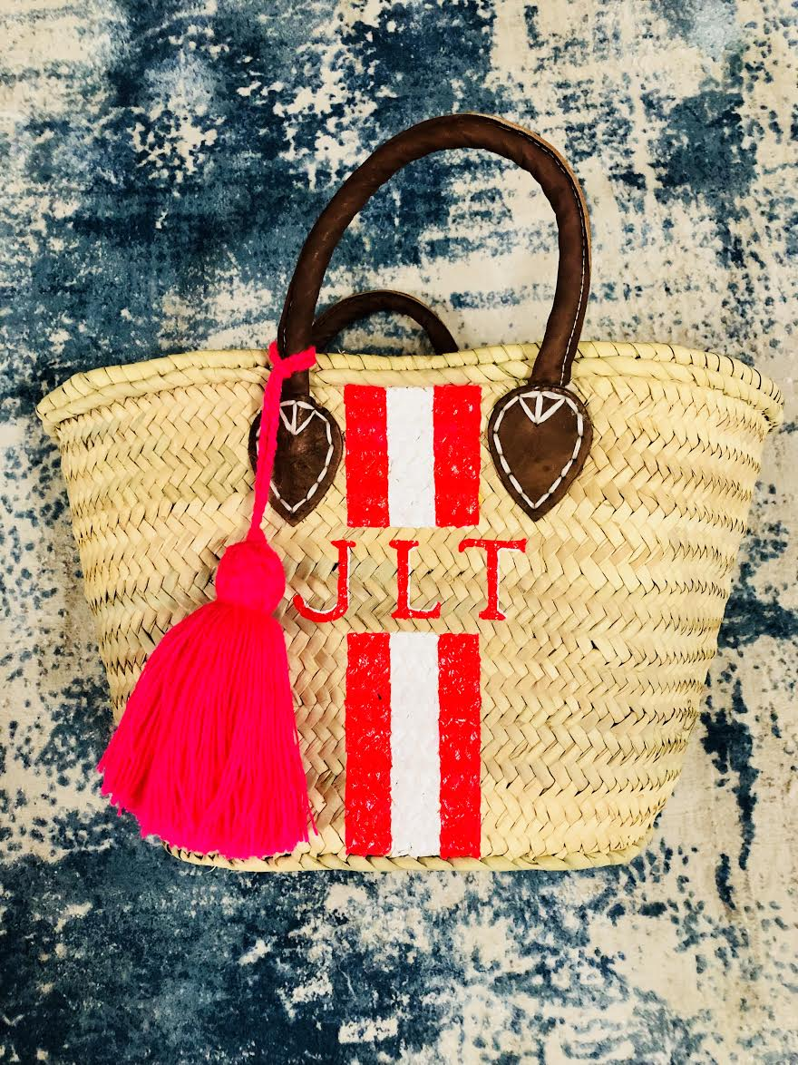a tassel (in 1 of 8 cute coloring offerings!) acts as a vibrant finishing touch to each tote & round bag. -