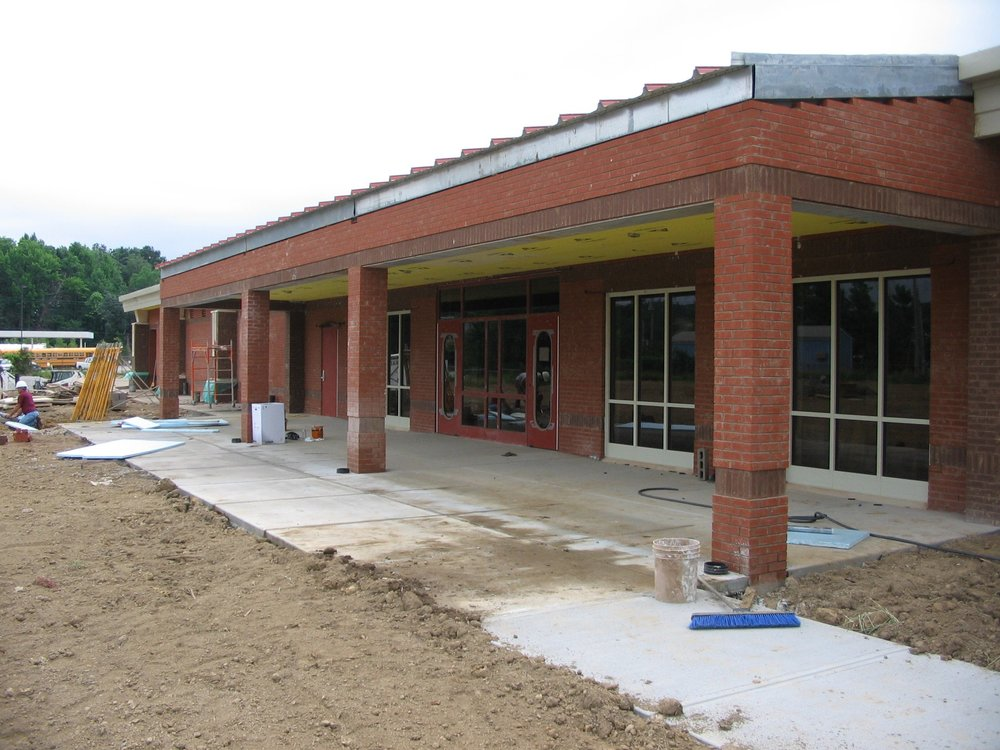 Roby-Elementary-School-2.jpg