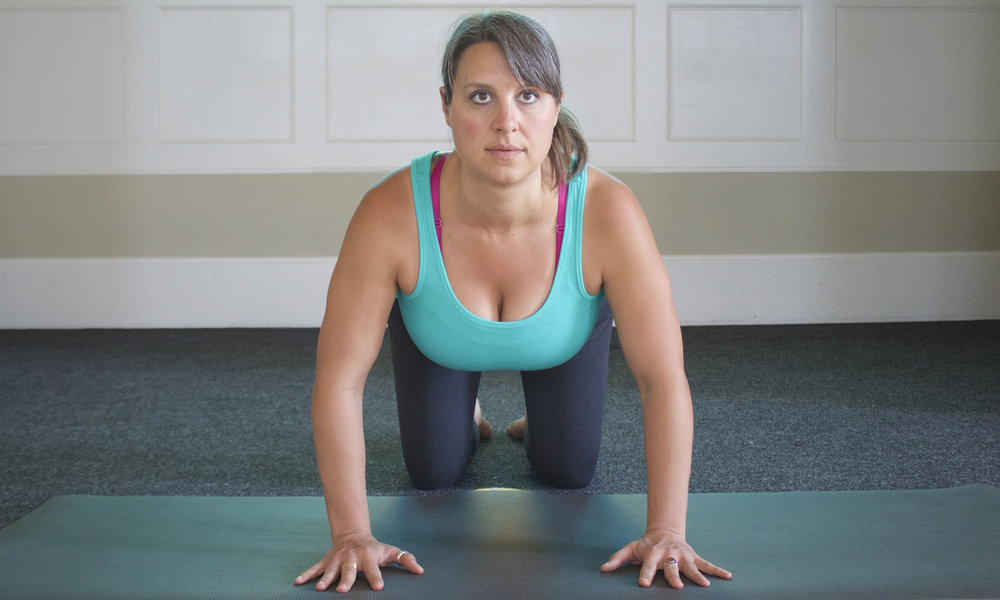 - Note that elbows pointing out to the sides lack stability, as well as pull the knuckles away from the Earth, eliminating Hasta Bandha.