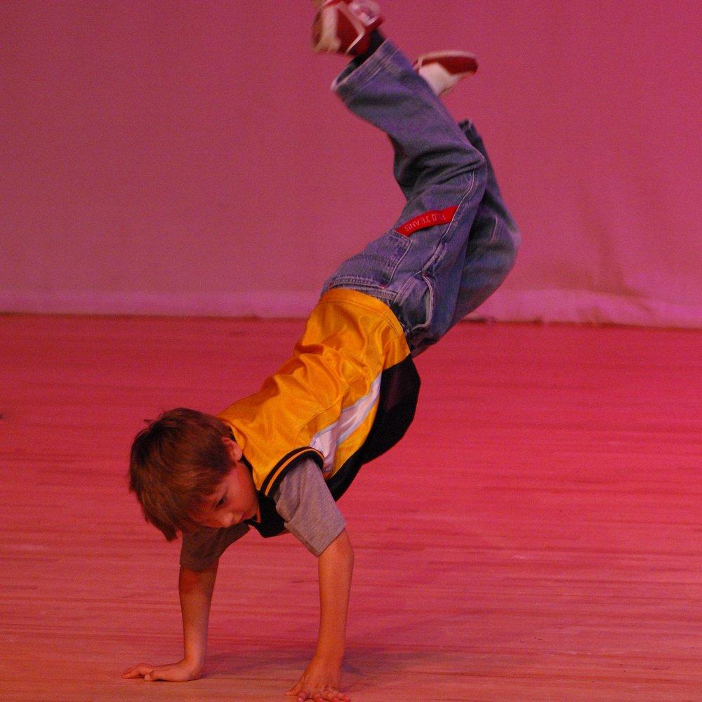 Boys Dance -