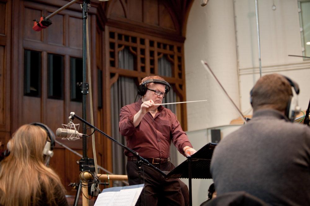Mike-Batt-conducting-Credit-Claire-Williams.jpg