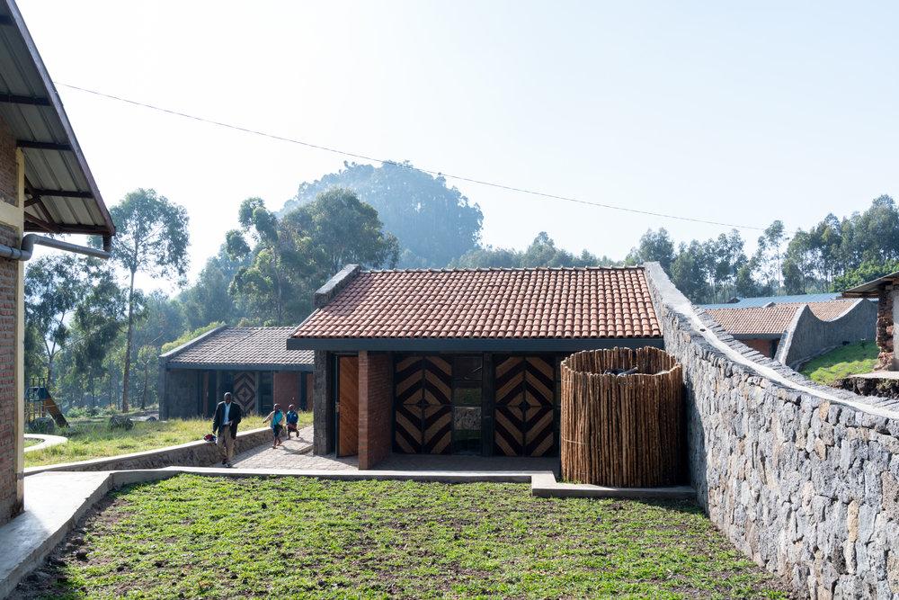 Ruhehe School MASS 6580.jpg