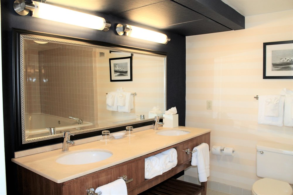 King Exec Suite Bathroom.JPG