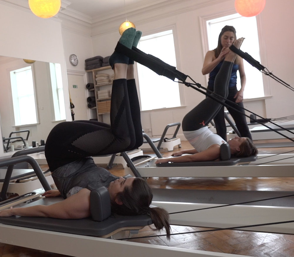 Reformer classes - Dynamic group Pilates reformer workoutsExtensive timetable with different levels and abilities9 people max. per class