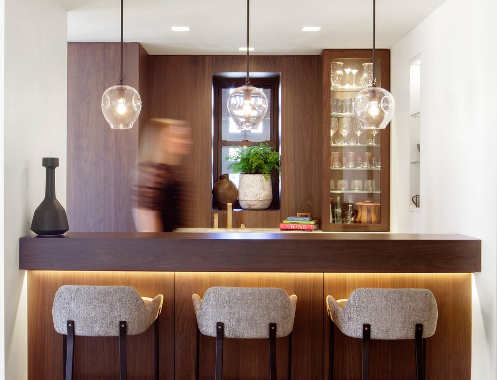 Lighting Control Solutions - Transform the mood of your home with the touch of a button, no matter where you are. Lutron's lighting control solutions help you create the perfect scene for every occasion.