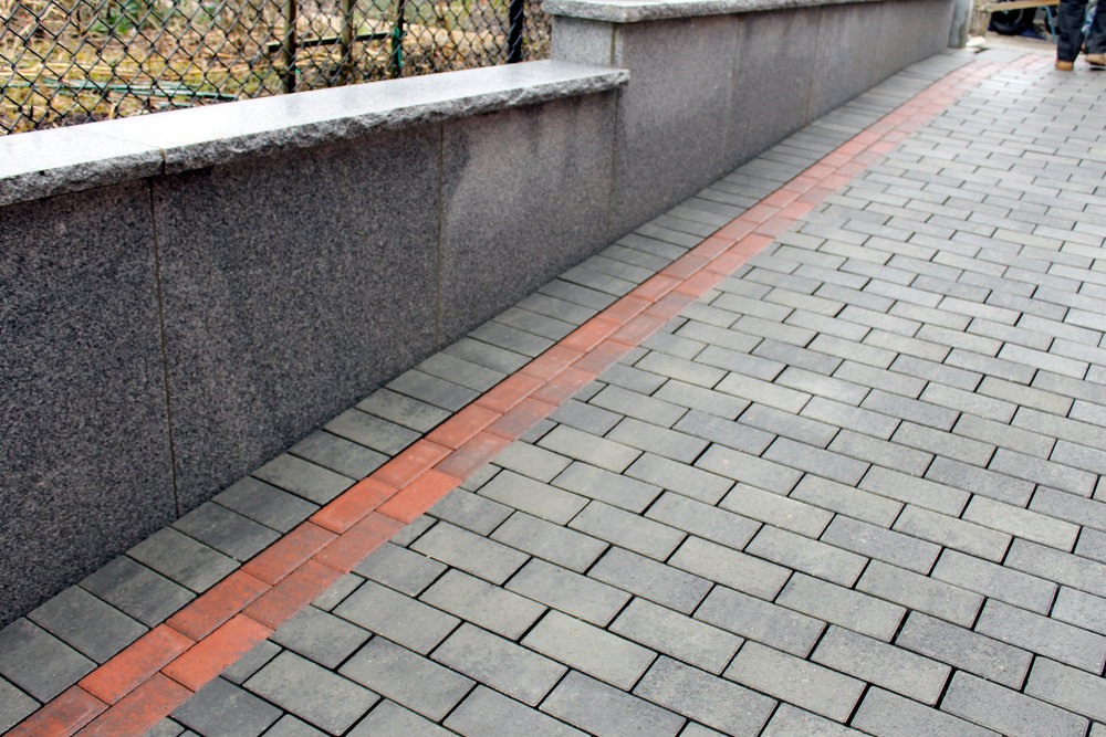 Landscapers near me in Lincoln MA for top quality paver driveways