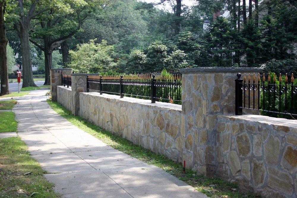 Lincoln MA top landscape design with retaining wall