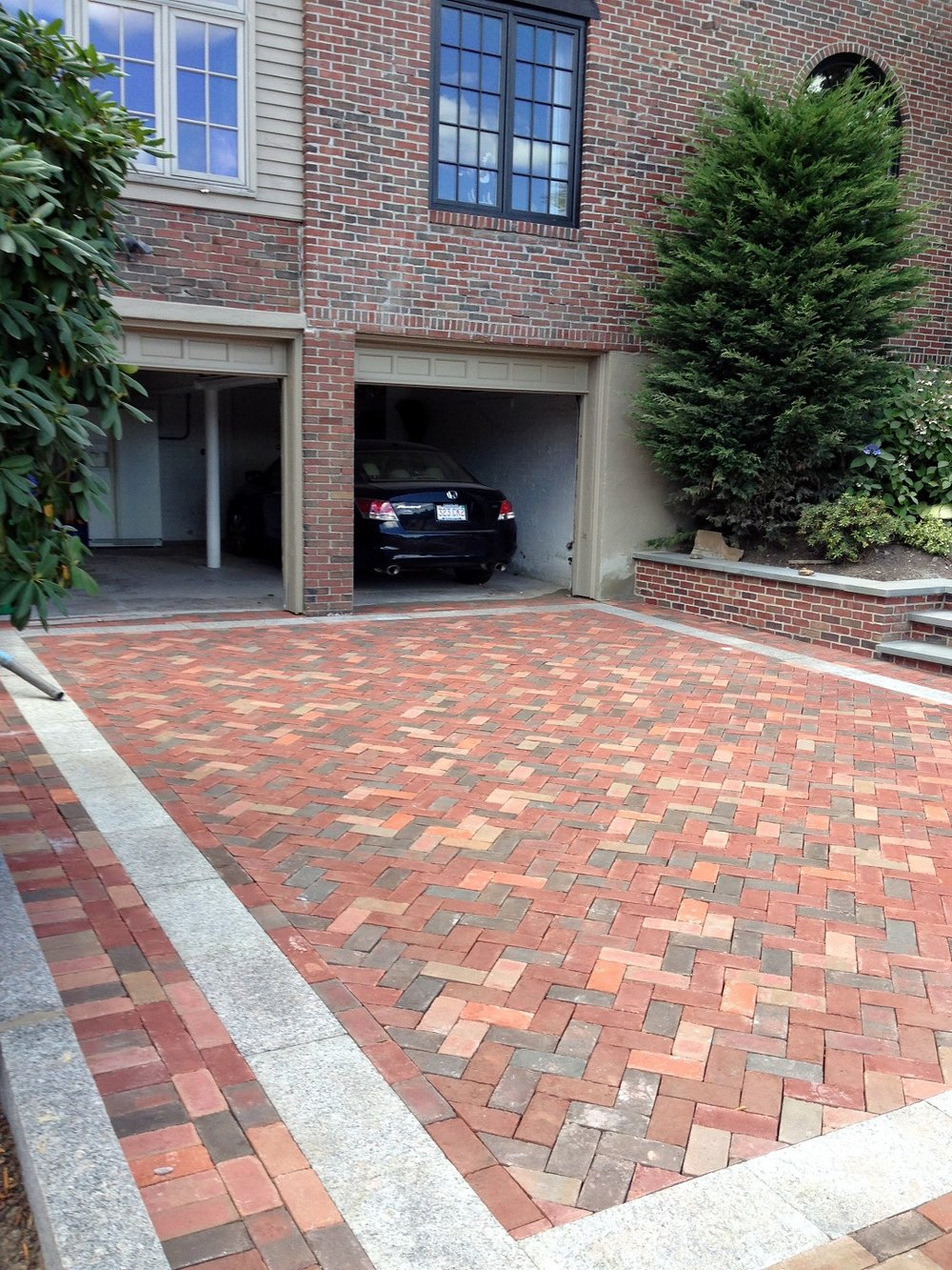 Newton, MA driveway pavers by Unilock Authorized Contractor