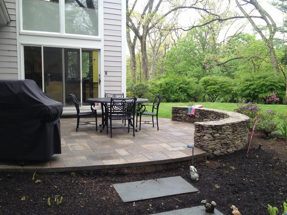 Retaining wall and patio pavers in Newton, MA