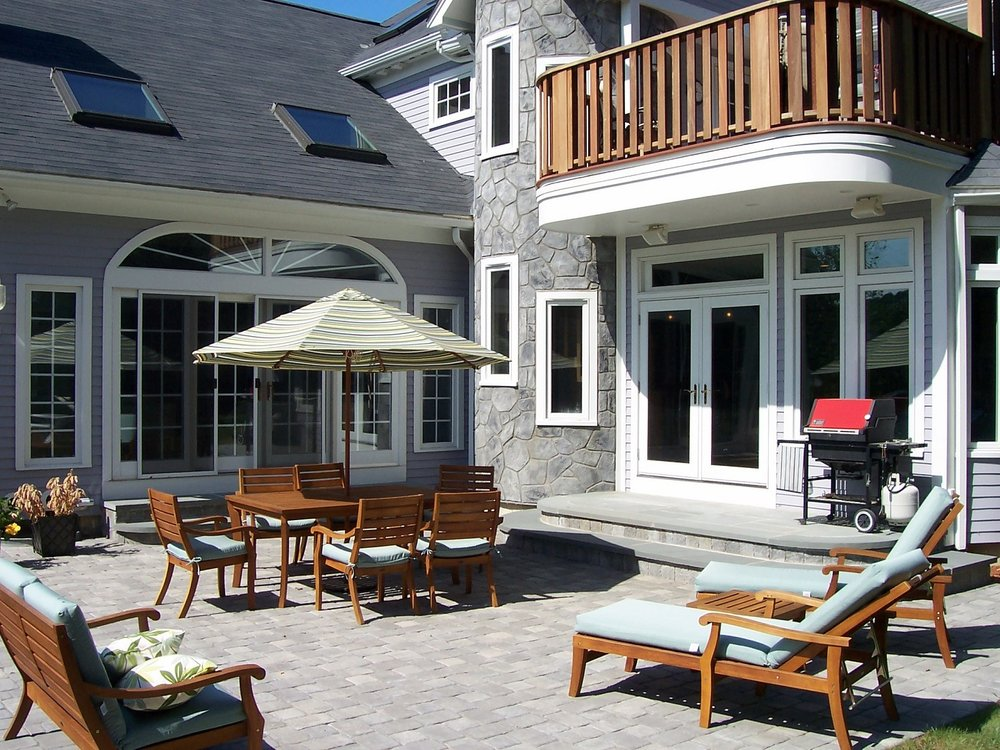 Cambridge PA beautiful and durable patio pavers by Unilock