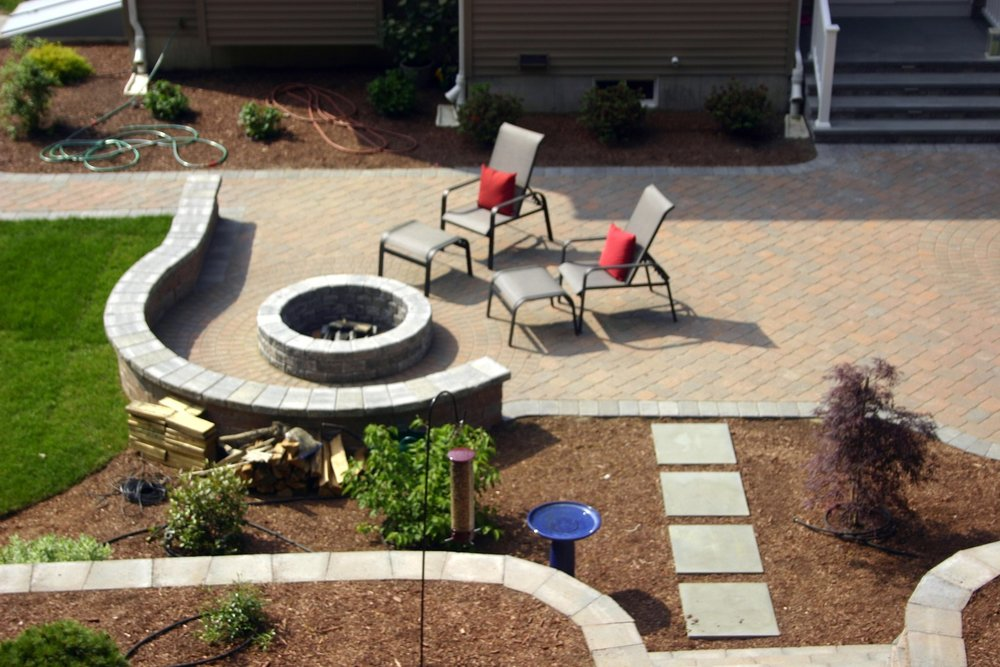 Retaining wall and patio pavers in Lexington, MA