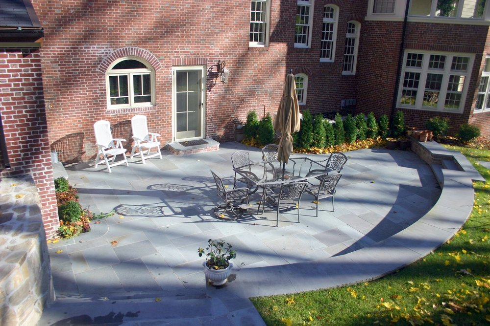 Arlington, MA beautiful bluestone patio
