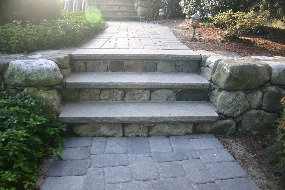 Paving contractors in Lincoln MA for steps & entries