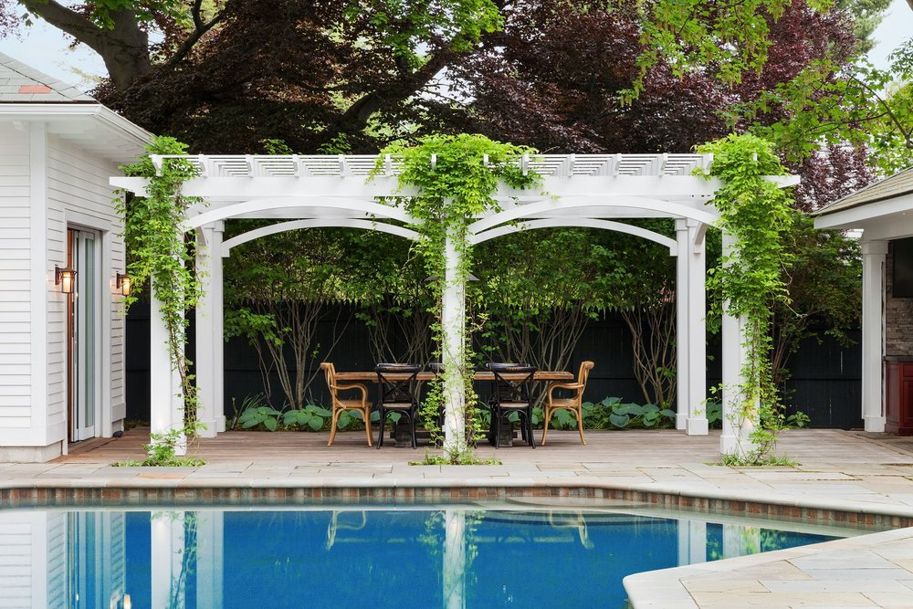 Pool deck with pergola in Lincoln Massachusetts