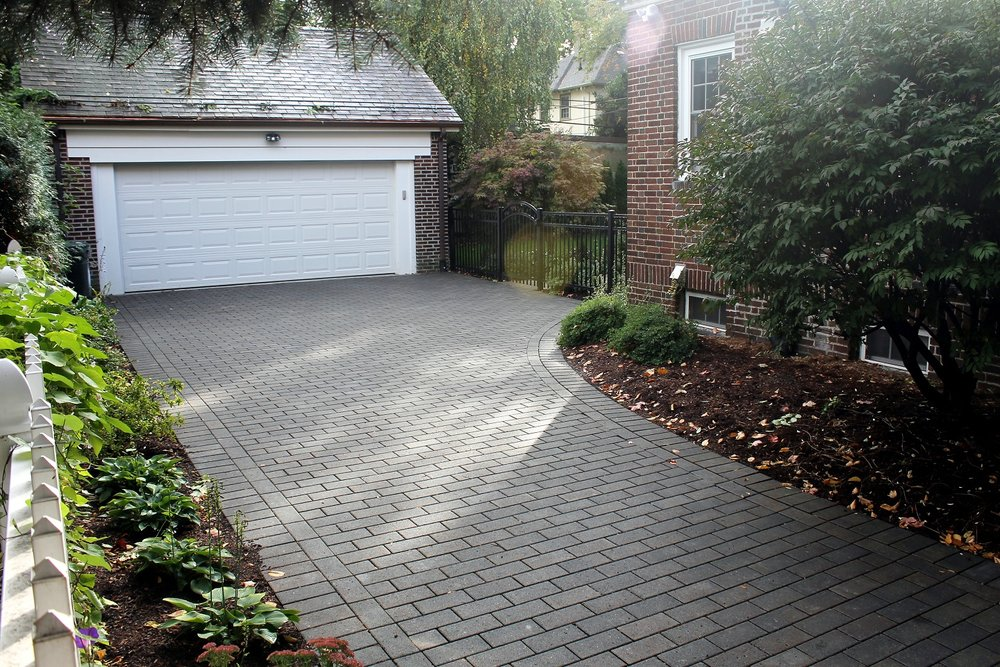 Belmont, MA beautiful and durable driveway pavers