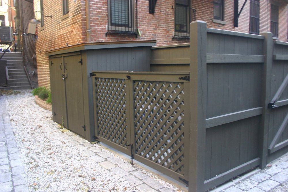 Landscape design in Belmont, MA with stunning fencing