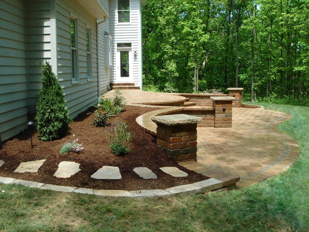 Outdoor living with patio in East Peoria, IL