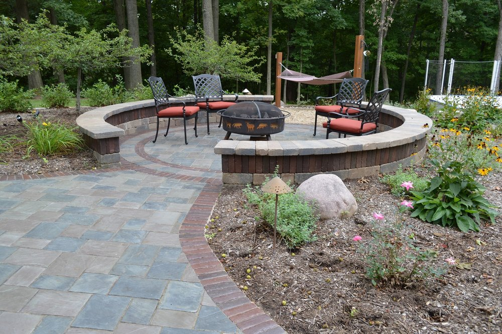 Outdoor fireplace in East Peoria, IL