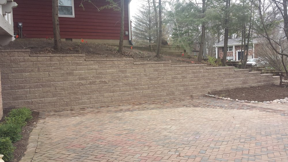 Beautiful retaining wall in East Peoria, IL