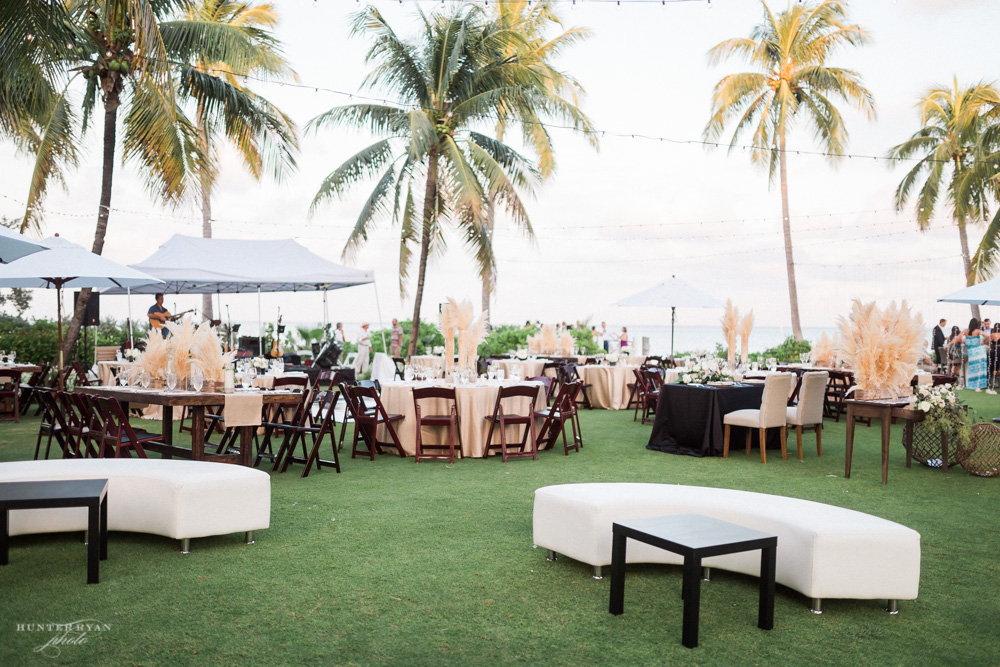 Jet Set Wed :: Organic and Swanky Seaside Pampas Affair