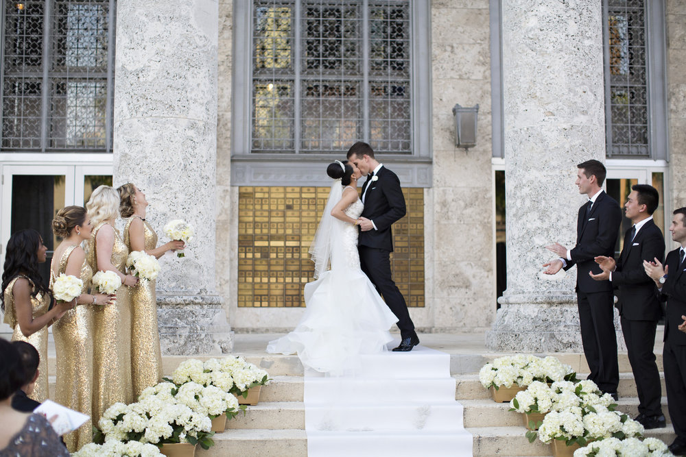 Jet Set Wed :: Daughter of Bridal Fashion Guru House of Wu Stuns in A Classic Regal Asian Wedding