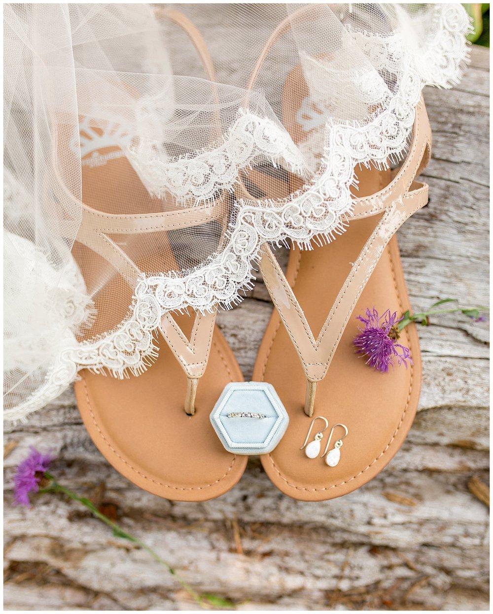 Wedding_Easton_Washington_Whistling_Dixie_Photography_Summer_River_Cabin_0007.jpg