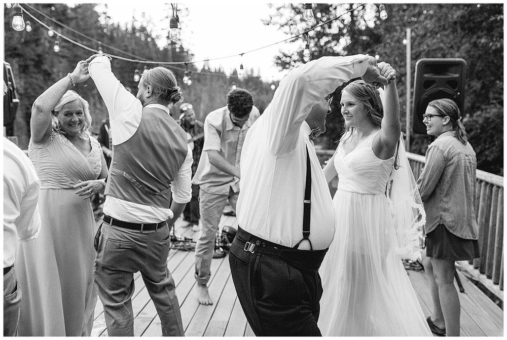 Wedding_Easton_Washington_Whistling_Dixie_Photography_Summer_River_Cabin_0052.jpg