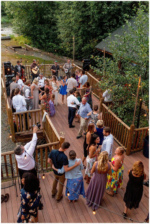 Wedding_Easton_Washington_Whistling_Dixie_Photography_Summer_River_Cabin_0053.jpg