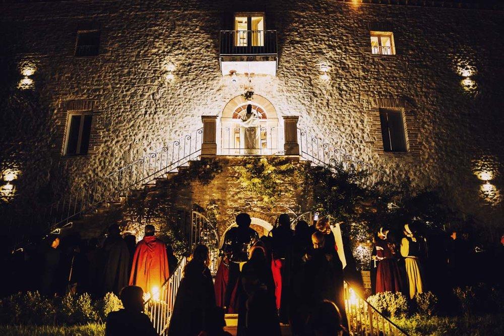 Medieval wedding Castello di Montignano Umbria