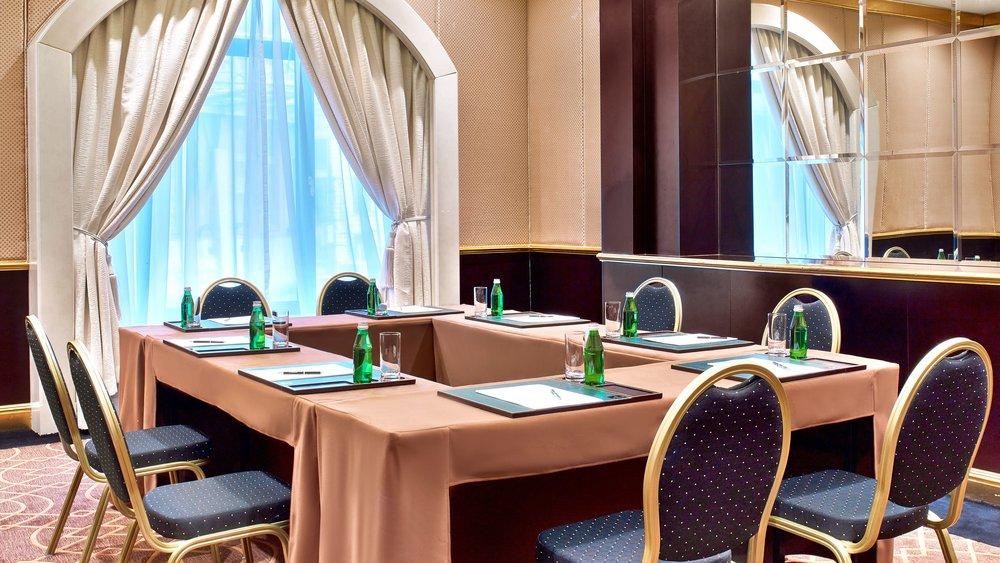 mowxr-meeting-room-3031-hor-wide.jpg